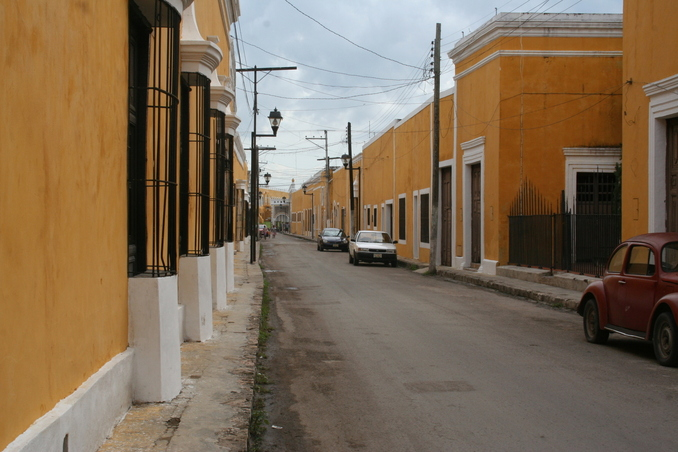 This is how downtown Izamal looks like. It is a very nice town.