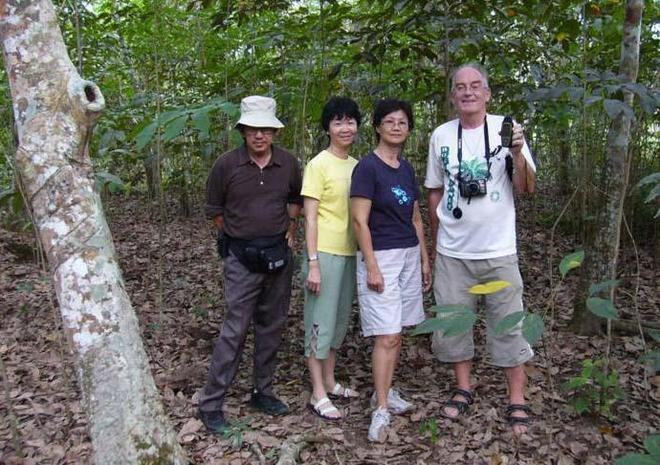 The proud team. From left to right George, Alice, Peggy and 'Kwai Loh' Jan
