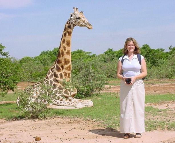 Rachel and a friendly old giraffe the morning of the hunt