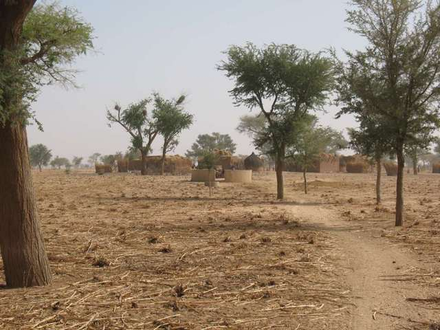 Settlement near the Confluence