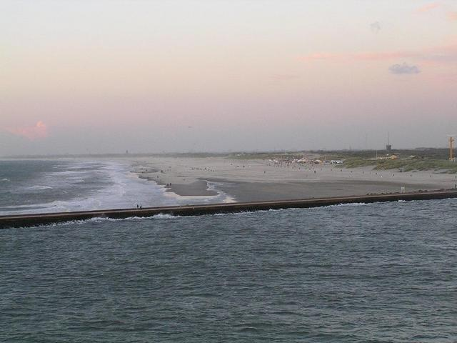 The sandy beach north of the Nieuwe Waterweg at the Western coast of the Netherlands