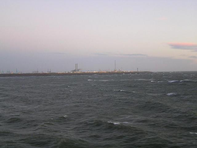 The Maasvlakte from the confluence