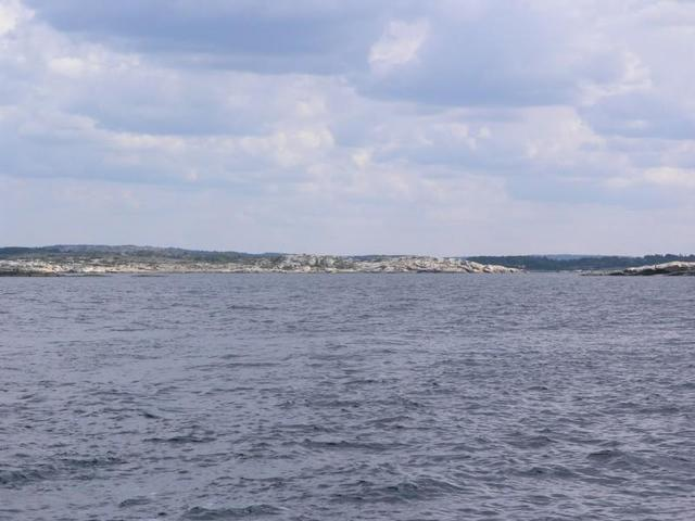 View east, towards Fløysholmen