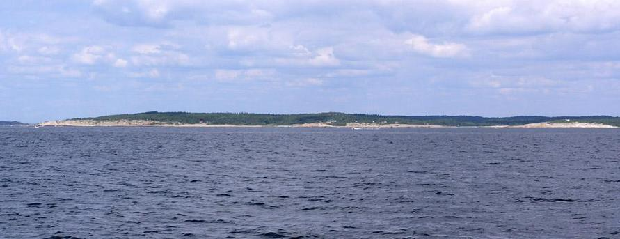 Kirkøy with the Storsand beach is the main Hvaler island