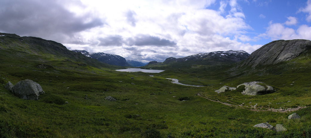 View south down Vivassdalen