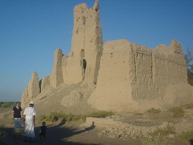 The old Omani castle. It is built of mud only.