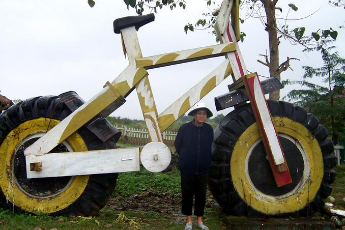 Santah with the oversized bike in Sta. Margarita