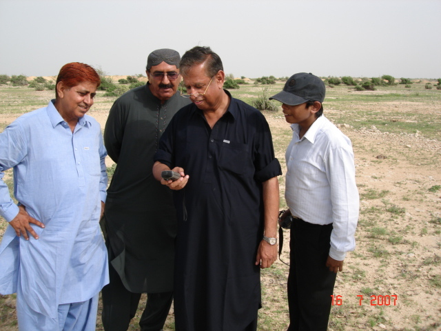 Nawaz,Kasim,Me (akk) and Ali looking zeros on GPS