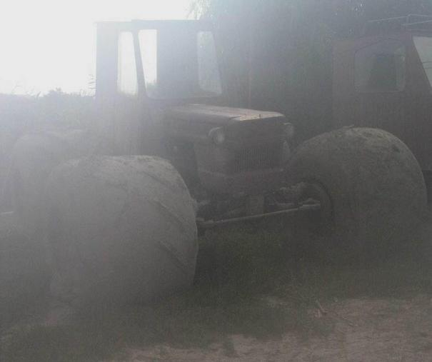 Tractor with marsh tyres