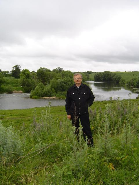 Mikhail Frolov at the bank of Krasivaya Mecha river