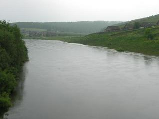 #1: Река Тюй. Точка находится в 11 км ниже по течению. -- Tyuj River. The confluence is in 11 km downstream from here.