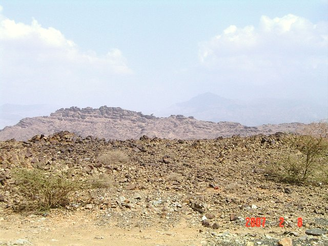 East view. al-`Abādil mountain at the Saudi-Yemeni border can be seen