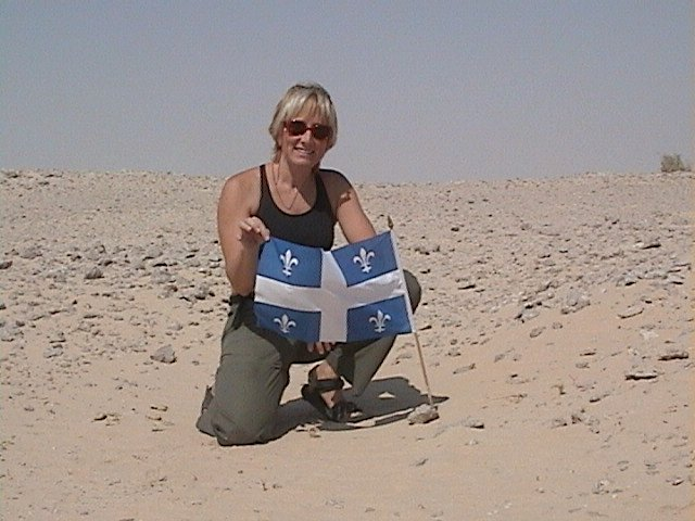 Lise, showing proudly the Québec flag!