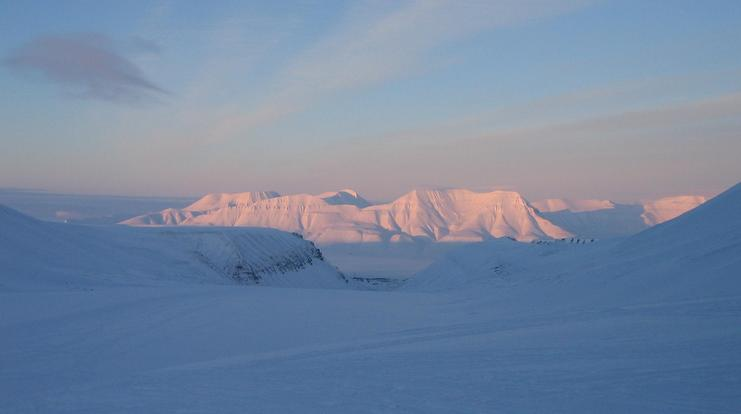 Returning to Longyearbyen over the glacier