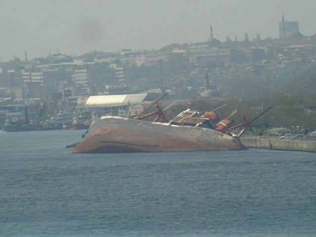 Unintentional end of a sea passage in the Bosporus