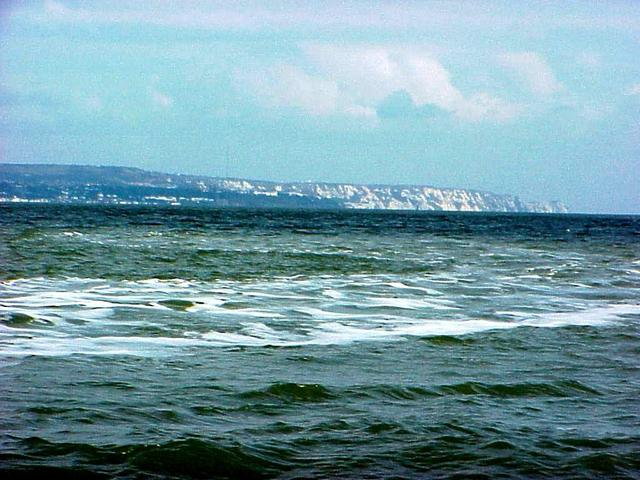 View of the wake of the Sarah Louisa and the famous white cliffs of Dover to the northeast from the confluence.