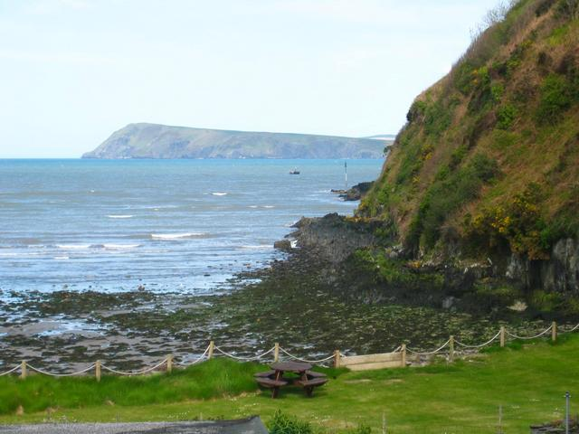 Coast between Fishguard and Goodwick
