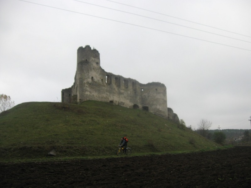 Ship-form castle at Sydoriv village