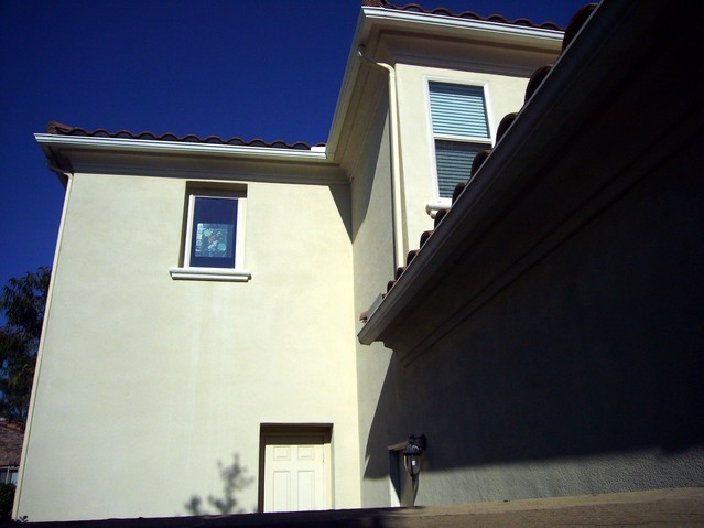 Stucco eves - no exposed wood