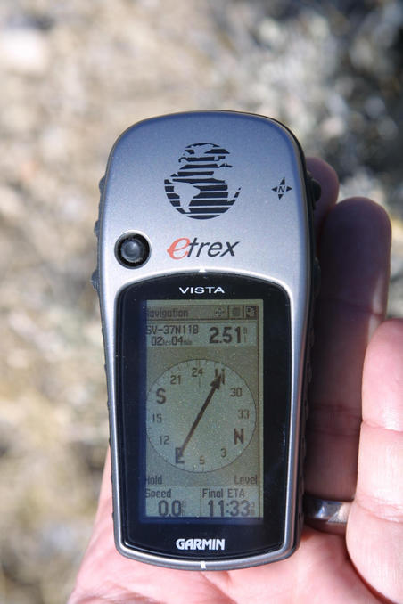 Etrex Vista reading from 2.5 miles showing distance.