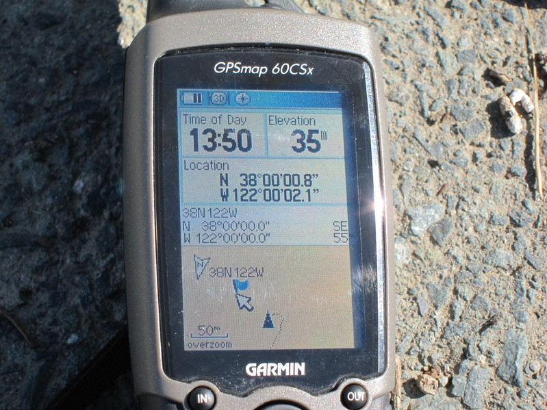 GPS, showing coordinates, altitude, and distance to the CP