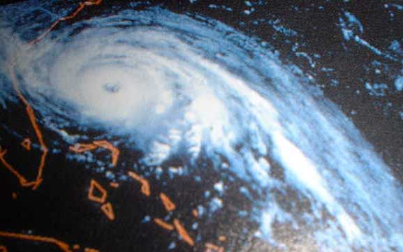 "Tropical Storm ""Hugo"" approaching Charleston SC on 21-sept-1989"