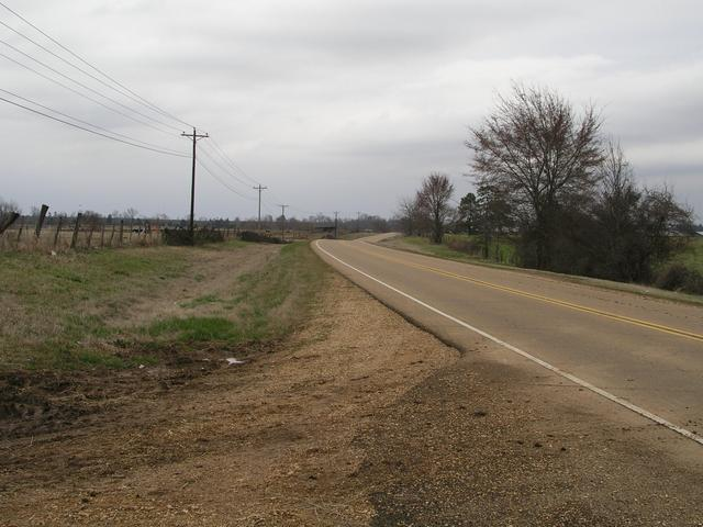 Mississippi Highway 15 [here looking north to Old Houlka] runs just east of 34N89W
