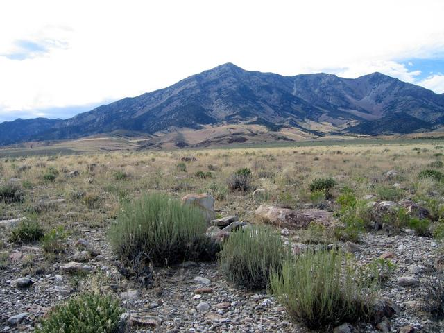 Confluence general area with cairn