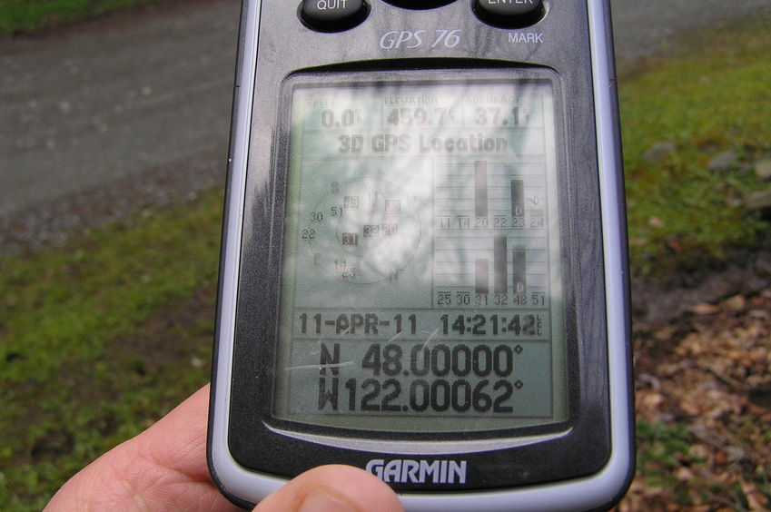 GPS reading near the confluence, before making the final dash to the point.