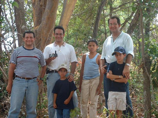 Me with the GPS, and my Team: Alejandro, My Son Jorge Luis, Eduardo and Son Eduardo Jesus and our Guide Jean Carlos