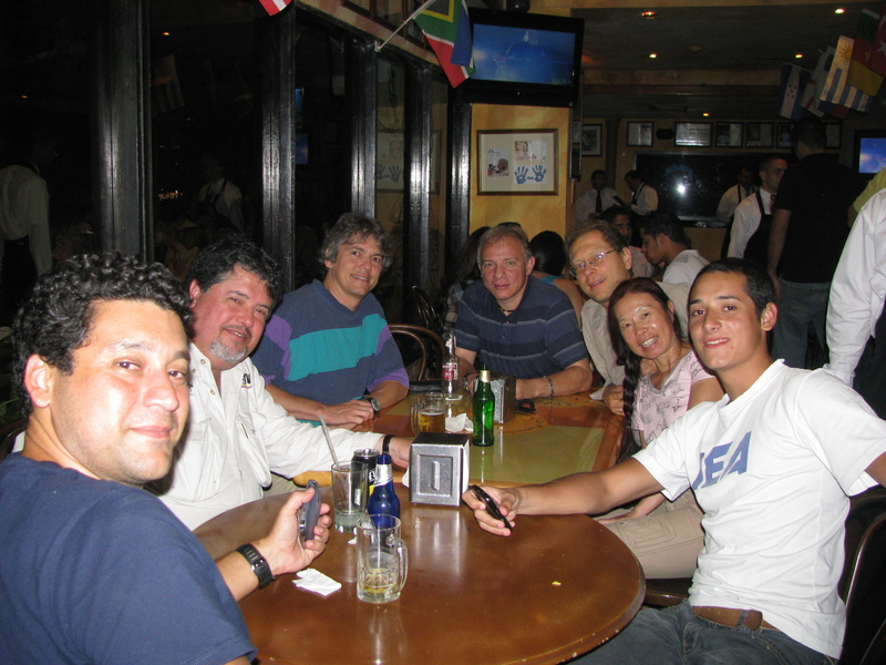 NIGHT BEFORE HAVING DINNER IN A RESTAURANT IN PUERTO LA CRUZ WITH OUR FRIEND VINCENZO